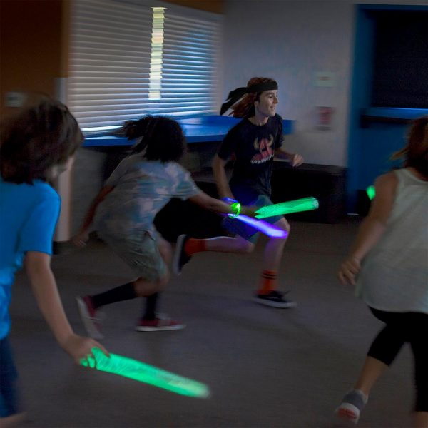 Glow Battle kids running